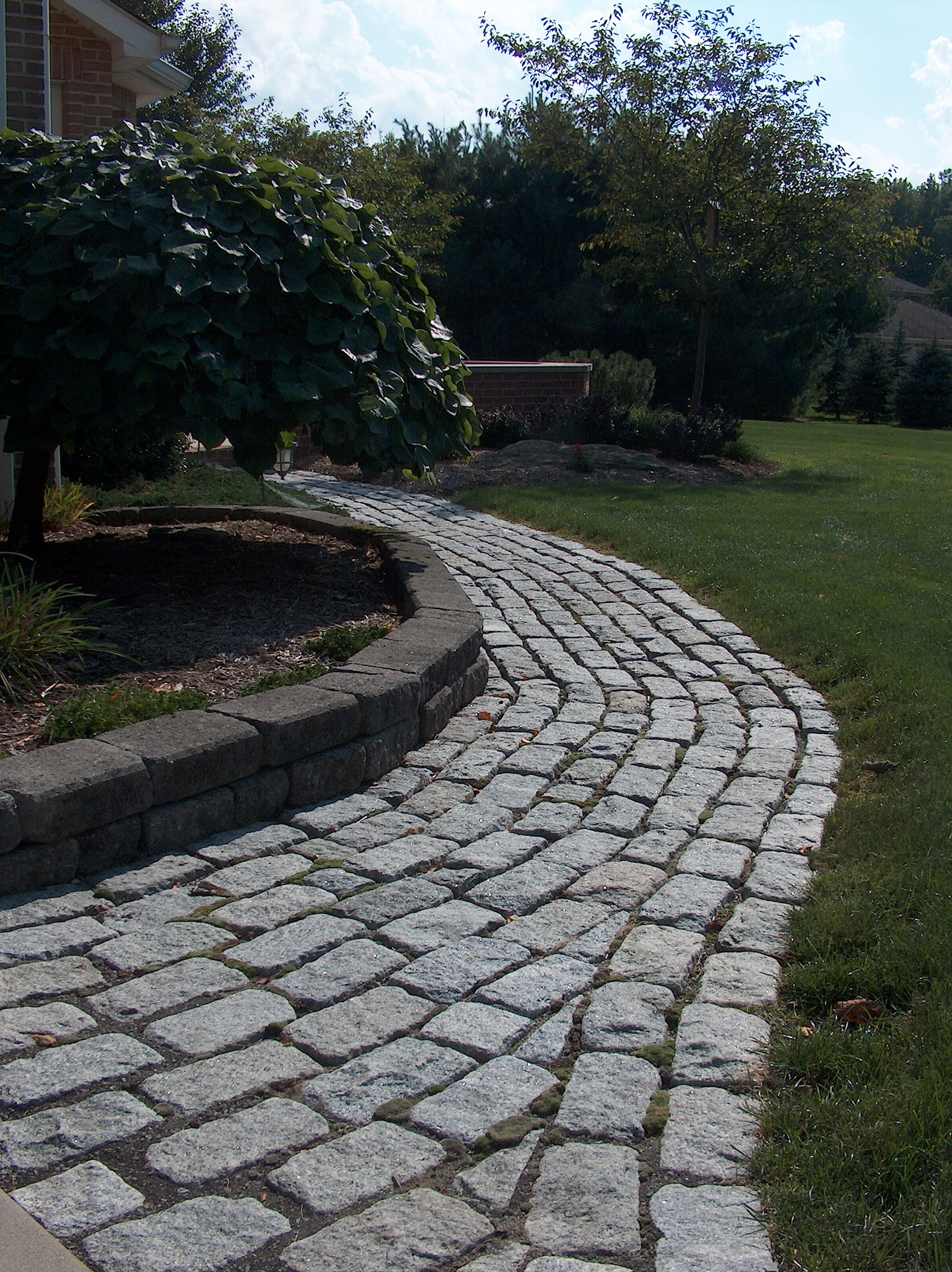 Paving Stone Walkway Design
