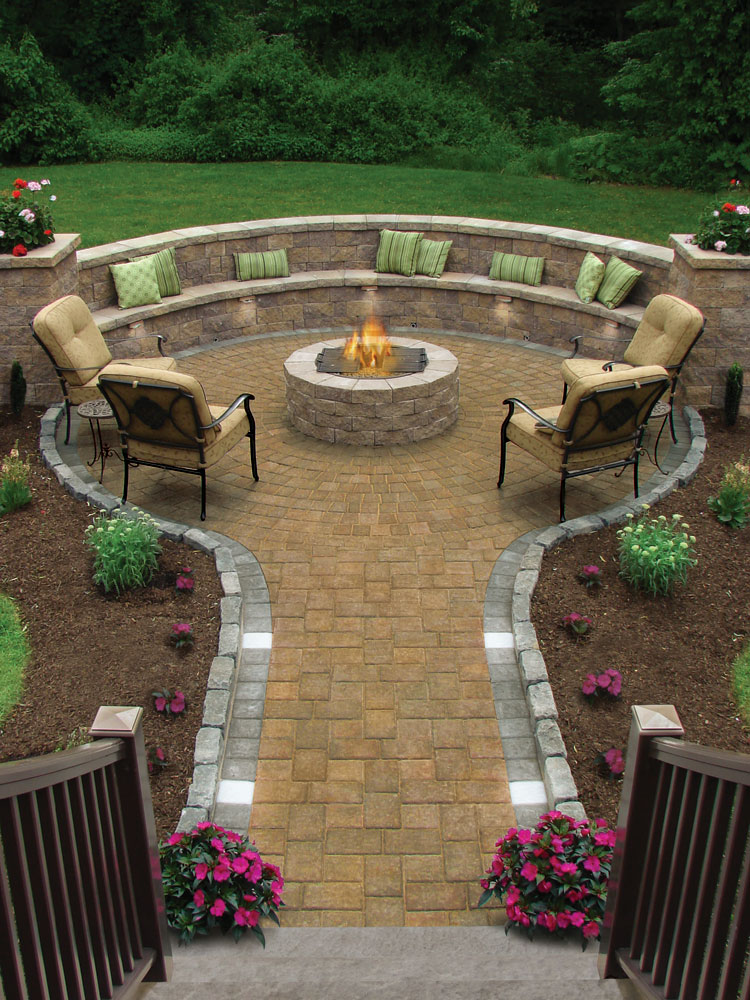 Pictures Of Outdoor Patios With Fire Pits : Outdoor patio with inviting firepit for family gatherings
